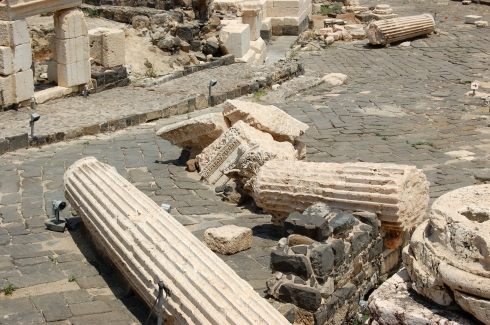 Columns toppled by an earthquake